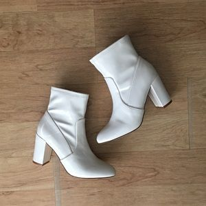⚪️ White Ankle Booties ⚪️